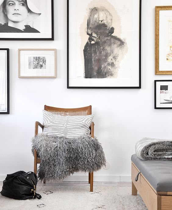 5. MINIMAL SPACES DON'T HAVE TO BE BLAND - ADD INTERESTING ARTWORKS AND FURNITURE PIECES TO MAKE IT UNIQUE
