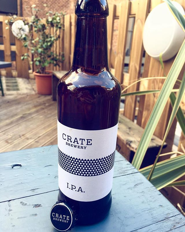 Crate beer brewed in Hackney, London. 🍻 A nice I.P.A that has fruity hops with notes of peaches, strawberries and caramel 🍻 #greatfind #brewmap