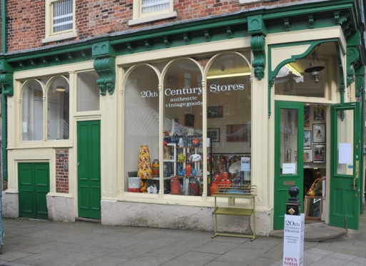 20th Century Stores is an Aladdin's cave of vintage- clothes, jewellery, home decor, toys, books and collectables; if I'm low on motivation I'll treat myself to a mooch and find it hard to leave empty handed!