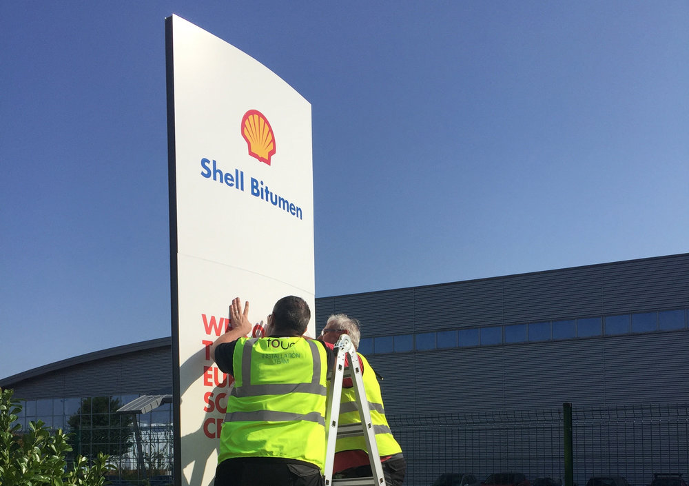 The Brief - Yoke was commissioned to project manage the branding of the Shell Bitumen Centre in Strasbourg.  The Bitumen testing centre was composed of an office area and laboratories.  It was used by Shell as a showcase of their bitumen research and testing.