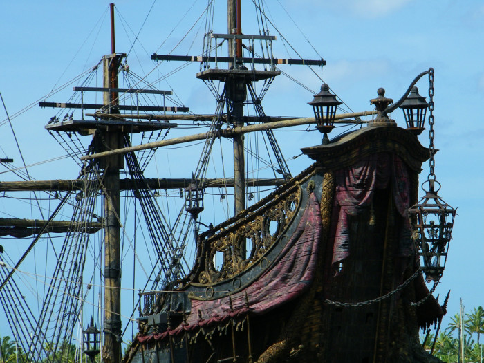 Pirates-of-the-Caribbean-On-Stranger-Tides-Boat.jpg