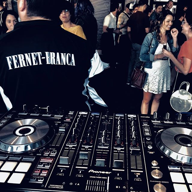 Thanks for having me spin the night with you @fernetbranca 🍹 . Homecourt was 🔥 @18socialdtla  @hotelindigo @hotelindigodtla . . . #Arcknight #DJ #Artist #Arckopolis #FernetBranca #Fernet #Branca #Bartender #Bartending #Cocktails #Competition #Hotel #Indigo #DTLA #LA #Downtown #LosAngeles #Music