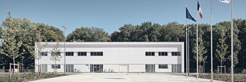 Site Ministère de la Défense à Vert le Petit par Enia architectes