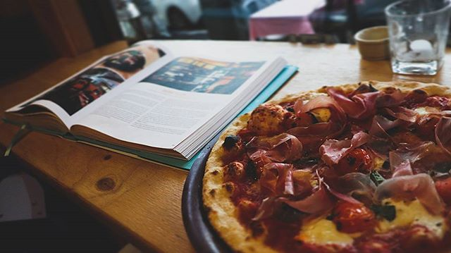 Buffalo mozz, smoked cherry tomatos & proscuito #pizzaspecial #welcometothebronx  #pizzafortheplanet #welovesurfing #darbyst