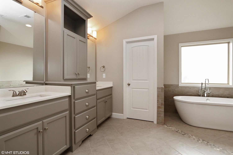 Gale Homes II Inc - Bathroom remodeling lees summit mo