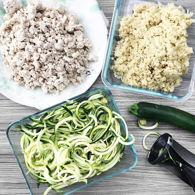 My weekly prep consists of these 3 deliciosos on repeat!! 1. Lean ground cheeken 🐣 ( great in to go salads, on avocado toast, as a late night spoon full snack 😳) 2. Quinoa ( great for breakfast bowls, to go salads, and a late night healthy snack 😳) 3. Spiralized zucchini ( great for dinner stir fry, to go salads, and for making a mess #sorryPeter ) ---  anyways, the late night snack seems to be a theme here 😳😳, but honestly that may be the most helpful part about meal prep... I'm a dessert trained girl and at about 10pm you better believe I'm craving sugar. 🙈    meal prep saving the day!!