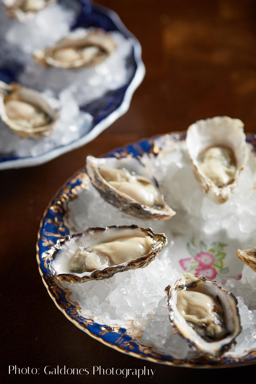 Beacon_Dinner_Oysters_051216_HG.jpg