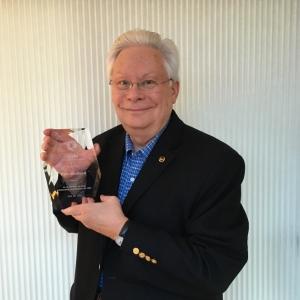Don accepts the CDM 2016 service award.