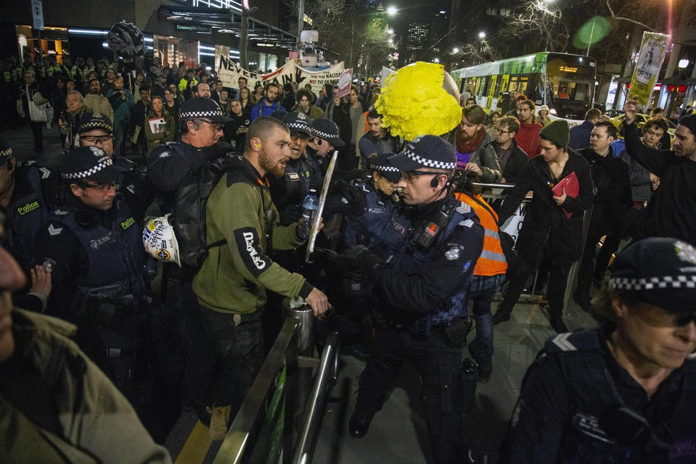 Clashes Between Police and Protesters at Nigel Farage Event in Melbourne - Joshua Mcdonald |ABC NEWS | September 2018