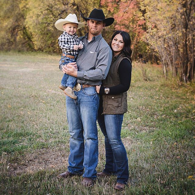 And another one. Got a smile and cowboy hat on this one. Score 🙌🏻 . . . . . . . #jeffreytaylorphoto #utahphotographer #utahphotography #utahfamilyphotographer #utahfamilyphotography #familylifestyle #family #lifestyle #photo #photos #spanishfork #spanishforkphotographer #utahcountyphotography