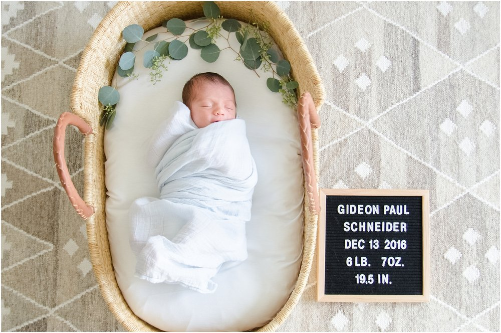 Landon-Schneider-Photography-Newborn-Session-Houston-Texas_0101.jpg