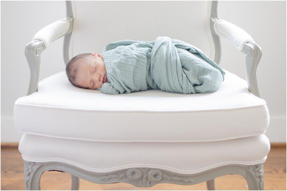 Landon-Schneider-Photography-Newborn-Session-Houston-Texas_0103.jpg