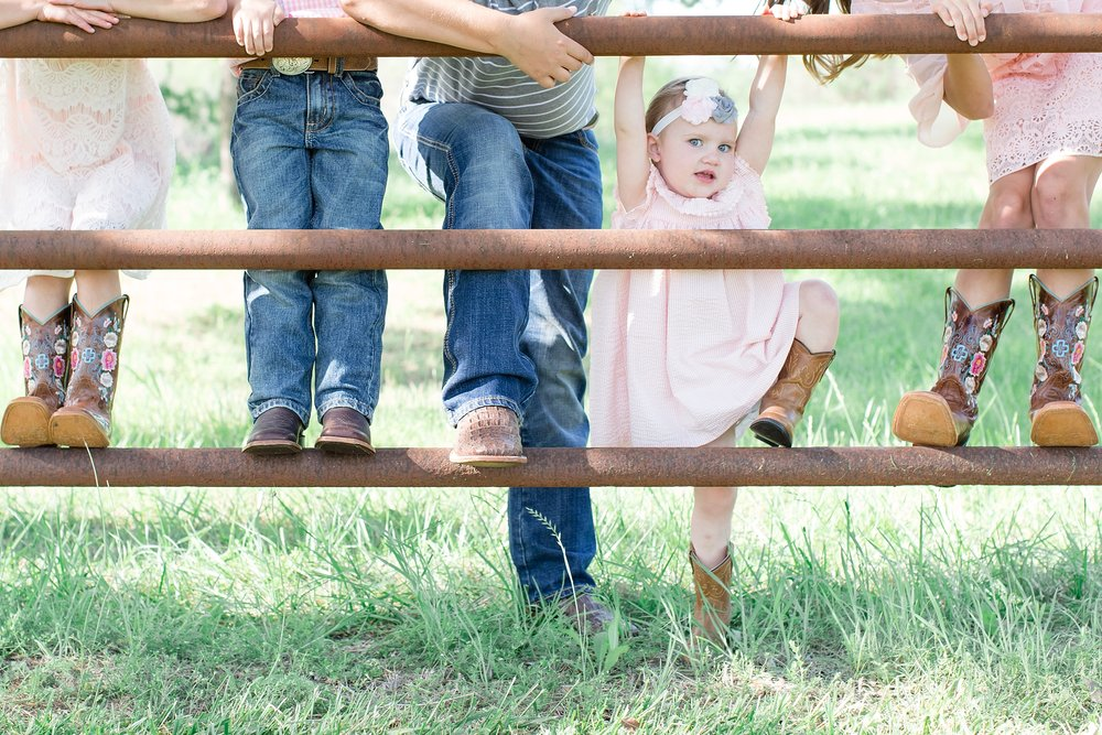 Landon-Schneider-Photography-Family-Session-Texas_0012.jpg