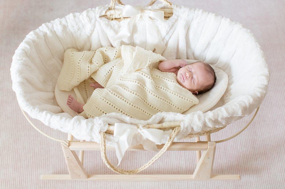 Landon-Schneider-Photography-Newborn-Session-Texas_0022.jpg