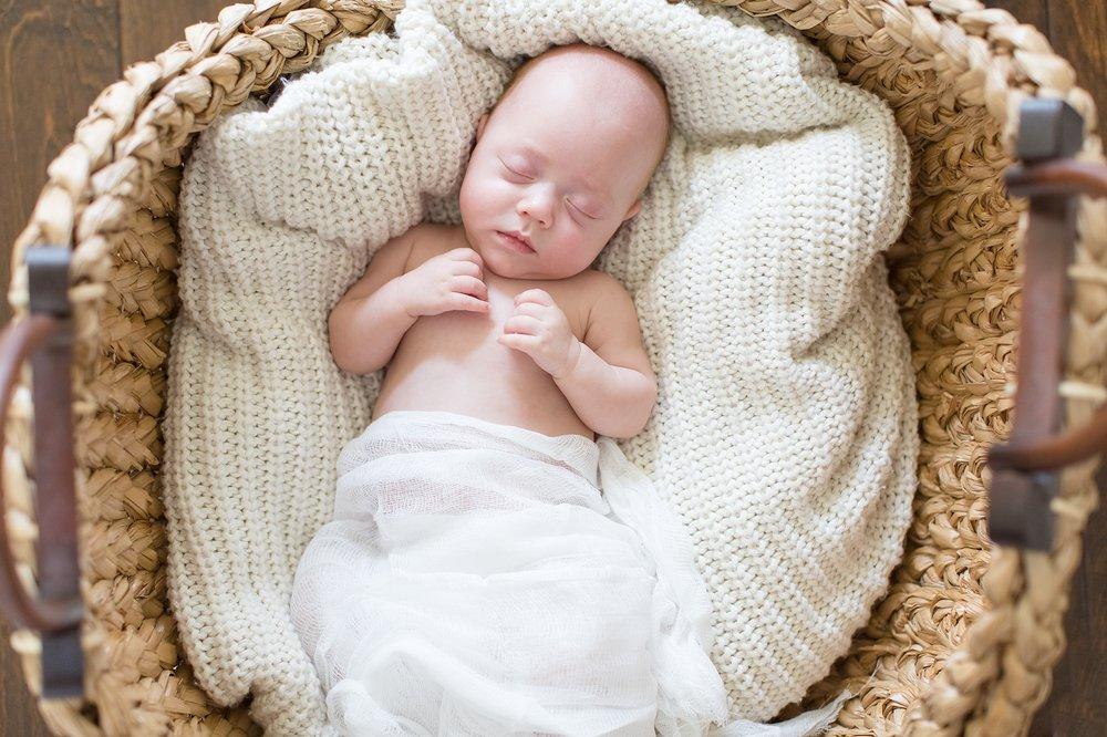 Landon-Schneider-Photography-Newborn-Session-Texas_0043.jpg
