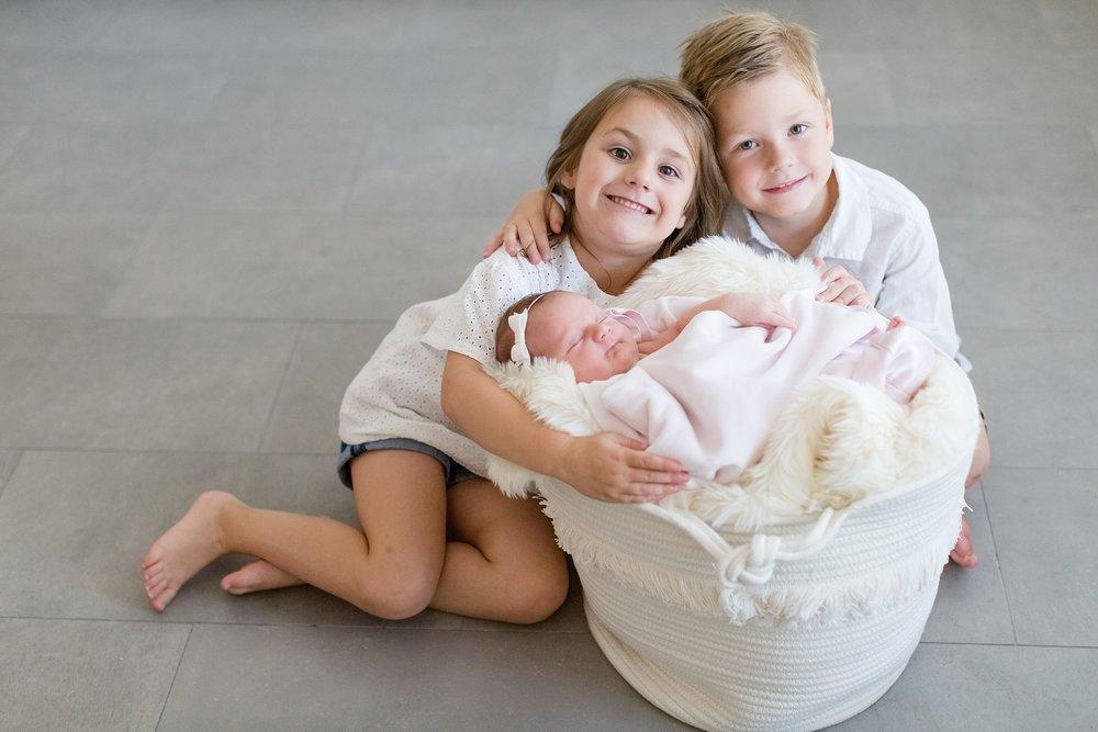 Landon-Schneider-Photography-Newborn-Session-Texas_0049.jpg