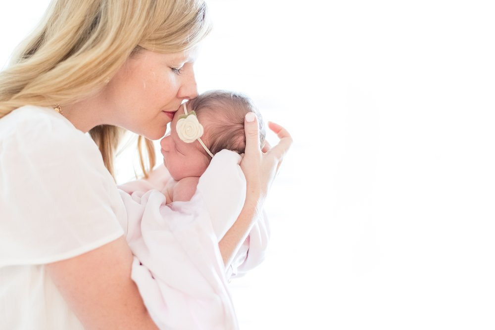 Landon-Schneider-Photography-Newborn-Session-Texas_0058.jpg