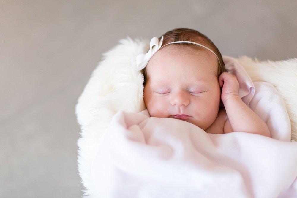 Landon-Schneider-Photography-Newborn-Session-Texas_0050.jpg