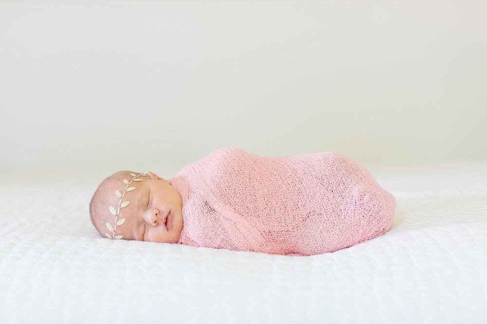 Landon-Schneider-Photography-Newborn-Session-Texas_0159.jpg