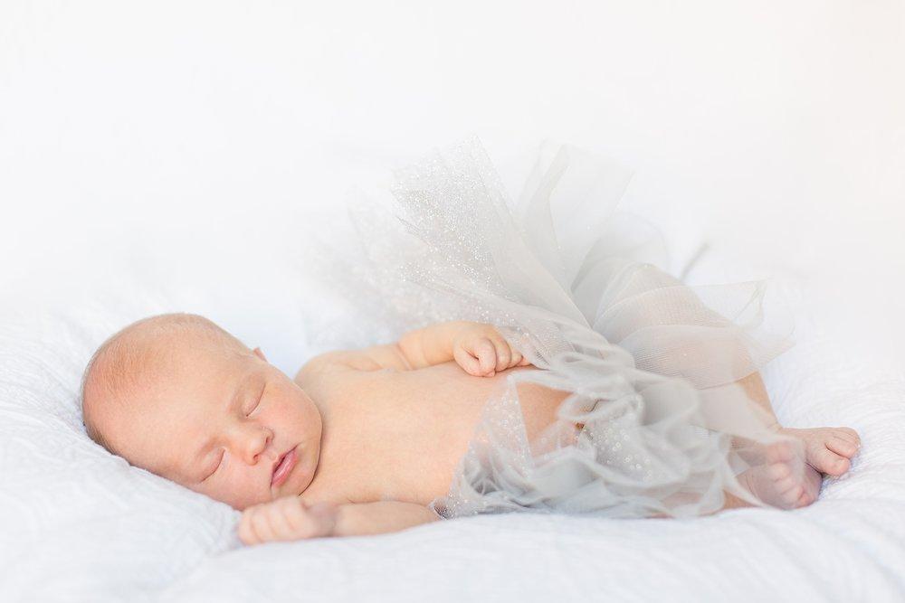 Landon-Schneider-Photography-Newborn-Session-Texas_0174.jpg