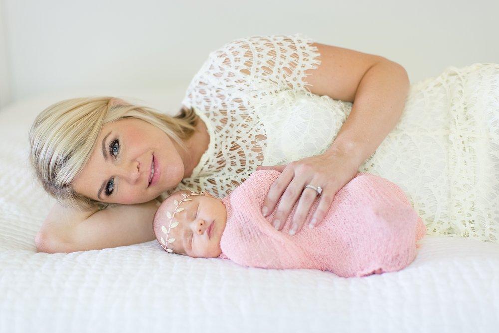 Landon-Schneider-Photography-Newborn-Session-Texas_0181.jpg