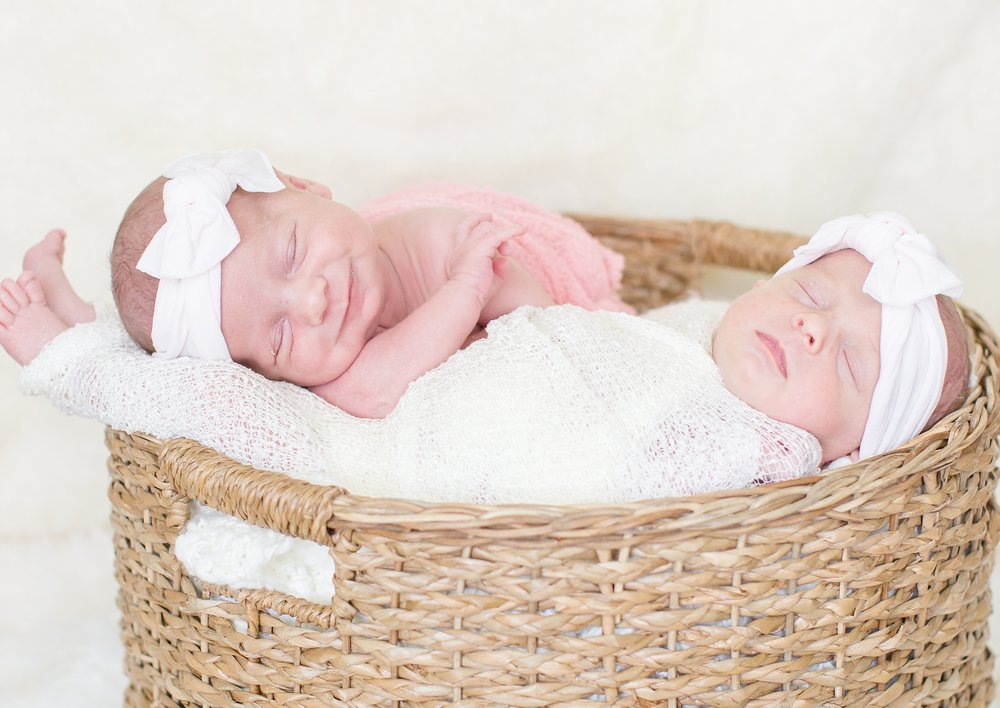 Landon-Schneider-Photography-Holt-Newborn-Session-Texas_0026.jpg