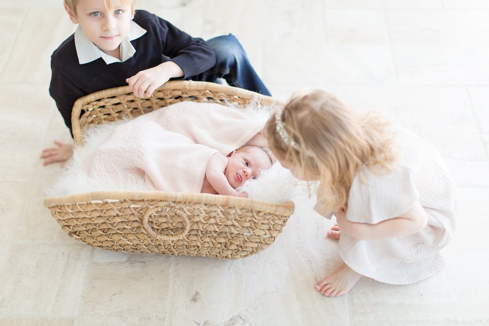 Landon-Schneider-Photography-Burress-Newborn-Session-McKinney-Texas_0015.jpg