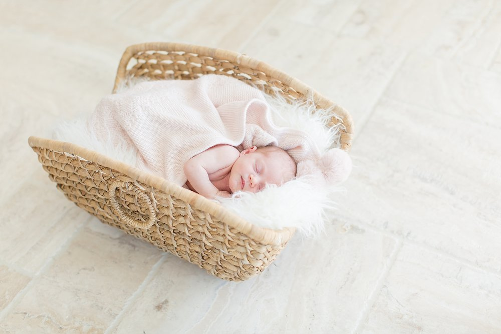 Landon-Schneider-Photography-Burress-Newborn-Session-McKinney-Texas_0012.jpg