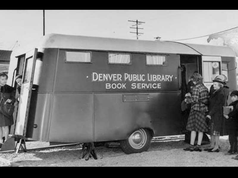 Vintage_Trailer_Vending_Concession_1950s_Tinkertin_Book_Wagon_1938.jpg