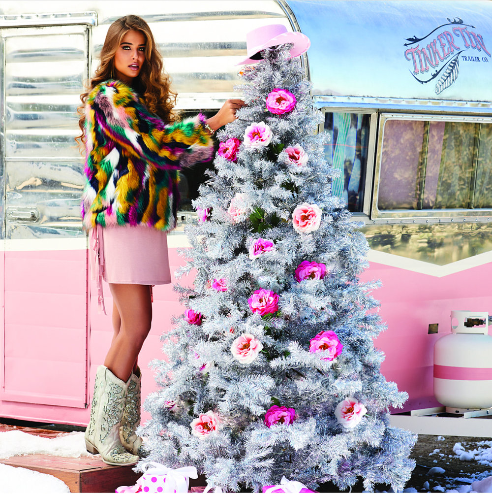Vintage trailer rental for holiday catalogue shoot in Malibu
