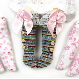 Doll socks pattern