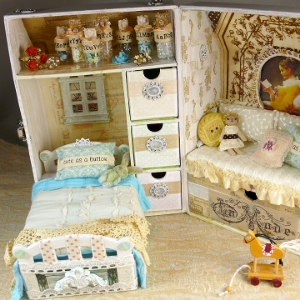 Alter a doll travel trunk