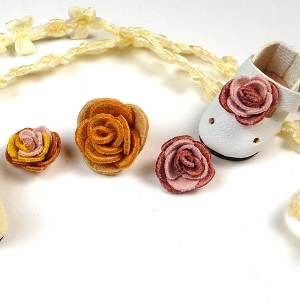 Miniature fabric roses