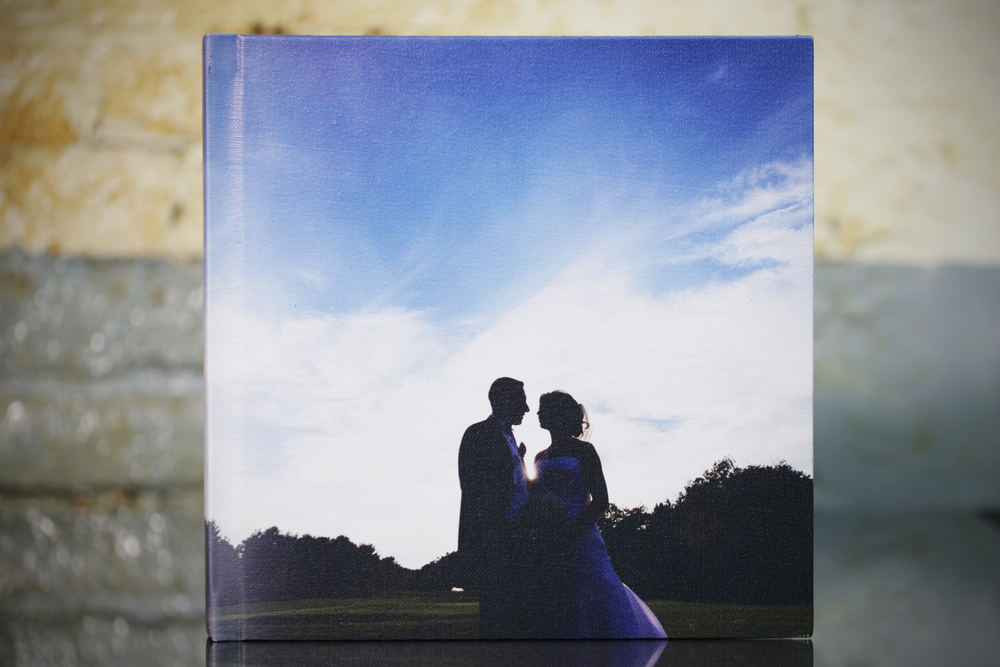 10x10 15pages picture by picture mounted with canvas cover