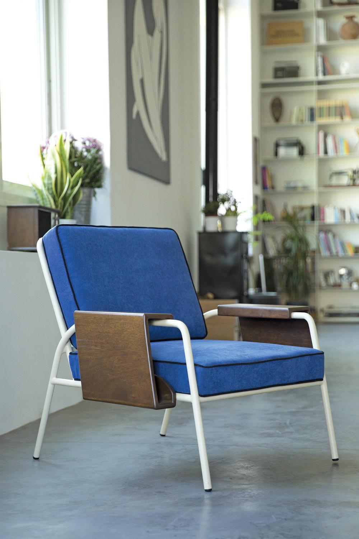 Zakari-fauteuil-bleu-Kann-01.jpg