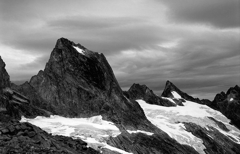 Near the Mendenhall Glacier, Alaska; Andrew Shiva / Wikipedia