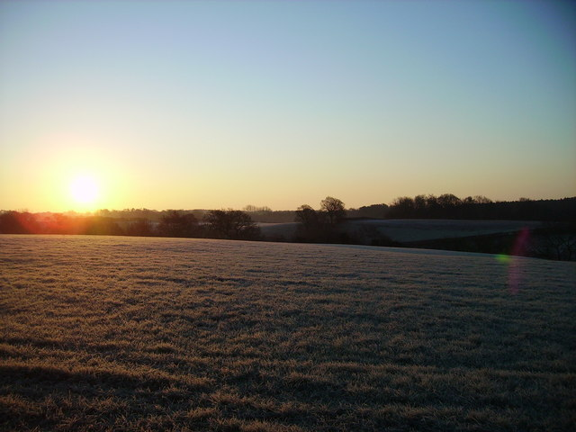 Dave Robinson / Sunrise over the fields by Post Office Lane