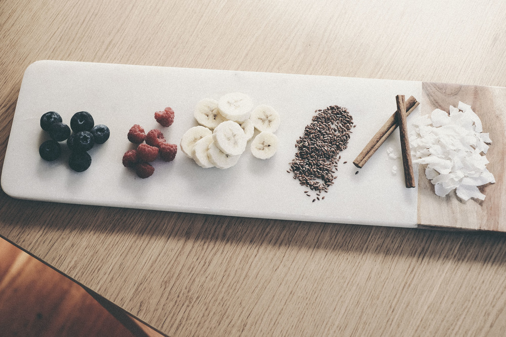 banana, flax, yoghurt breakfast bowl