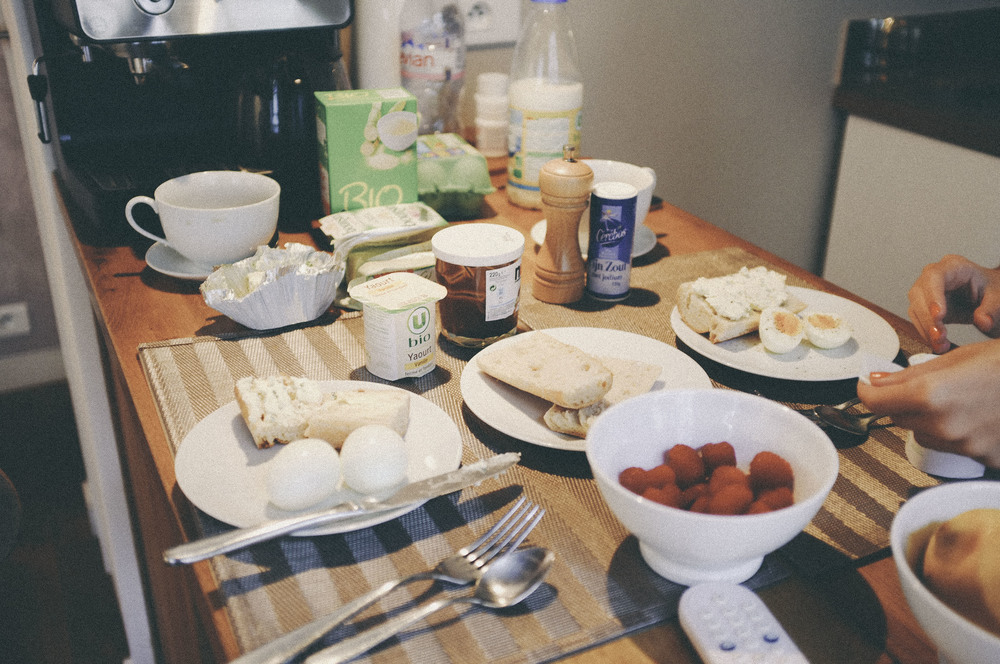 breakfast in our paris studio - www.derrive.com