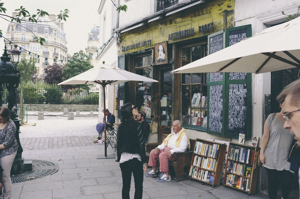 shakespeare and company, paris - www.derrive.com