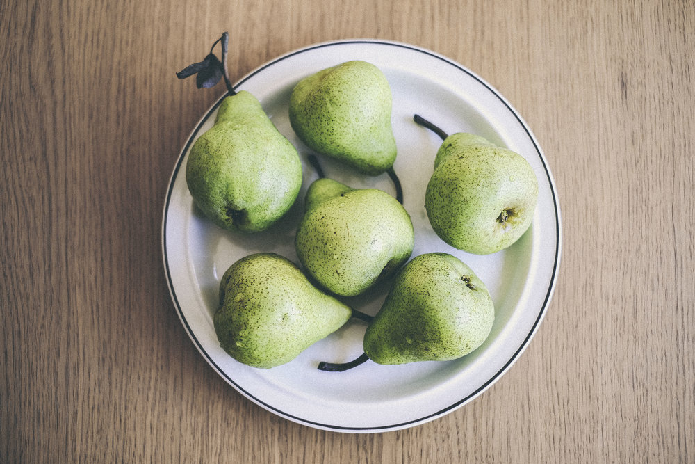 autumn pear and cardamom jam recipe www.derrive.com #pearjam #autumn #diyjam #homemade #fruit #jam #pear #pearrecipe #howtomakejam