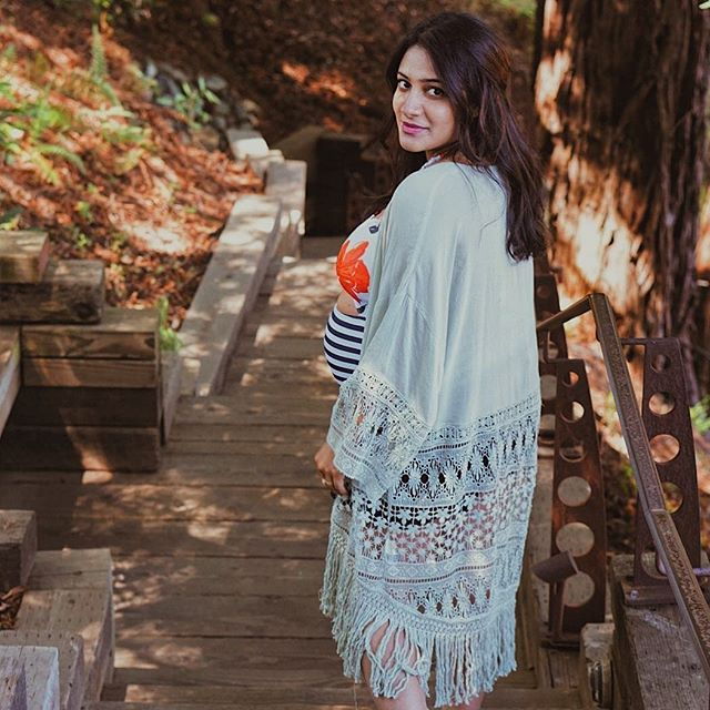My 5 must-have MATERNITY/PREGNANCY apps are now linked in my bio! Also here's a serious #TBT to those golden pregnancy days ✨ *** Now that things are settling into a routine (if you can call it that 😅) with baby girl, I'm beginning to publish some old started-but-unfinished blog entries that have been sitting in my drafts 🤦🏻‍♀️ Not the BEST start to the new year but it's something! #newmomlife