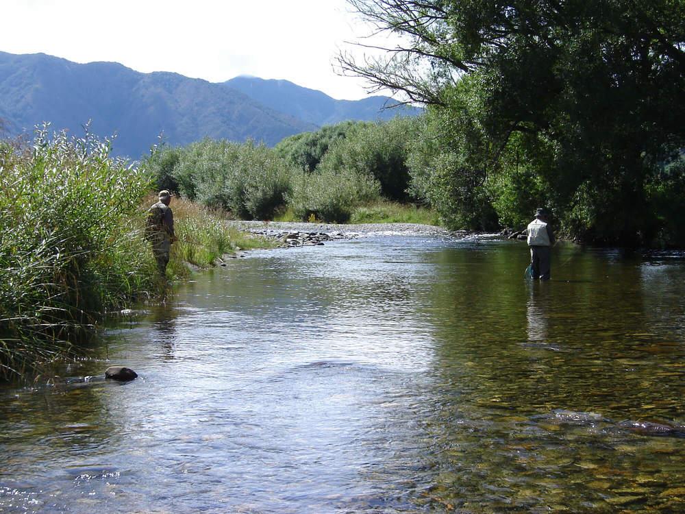 Lester-&-Ed-@-the-Mangles-River-001.jpg