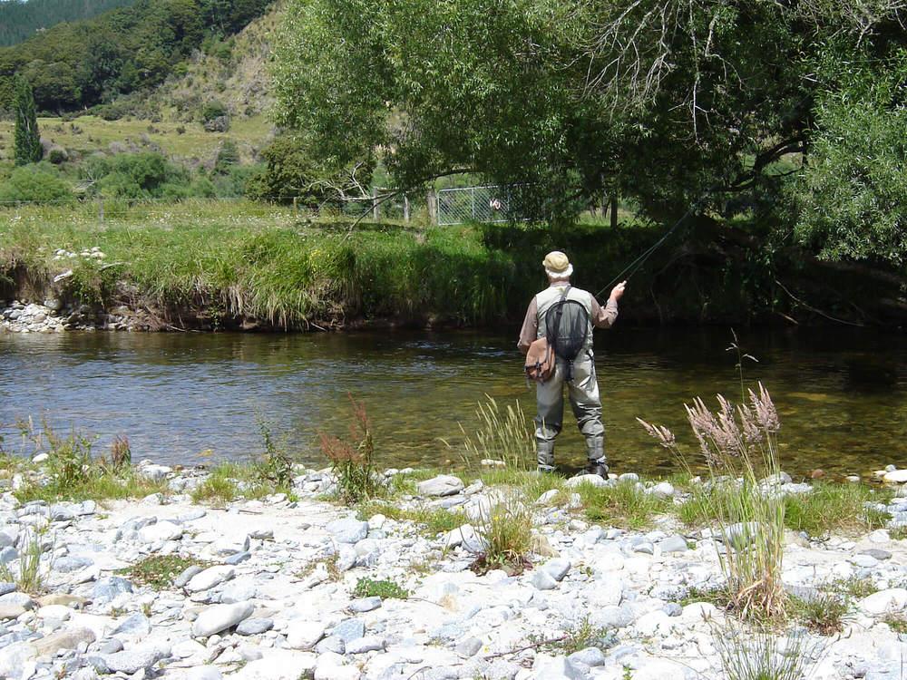 Lester-&-Ed-@-the-Mangles-River-002.jpg