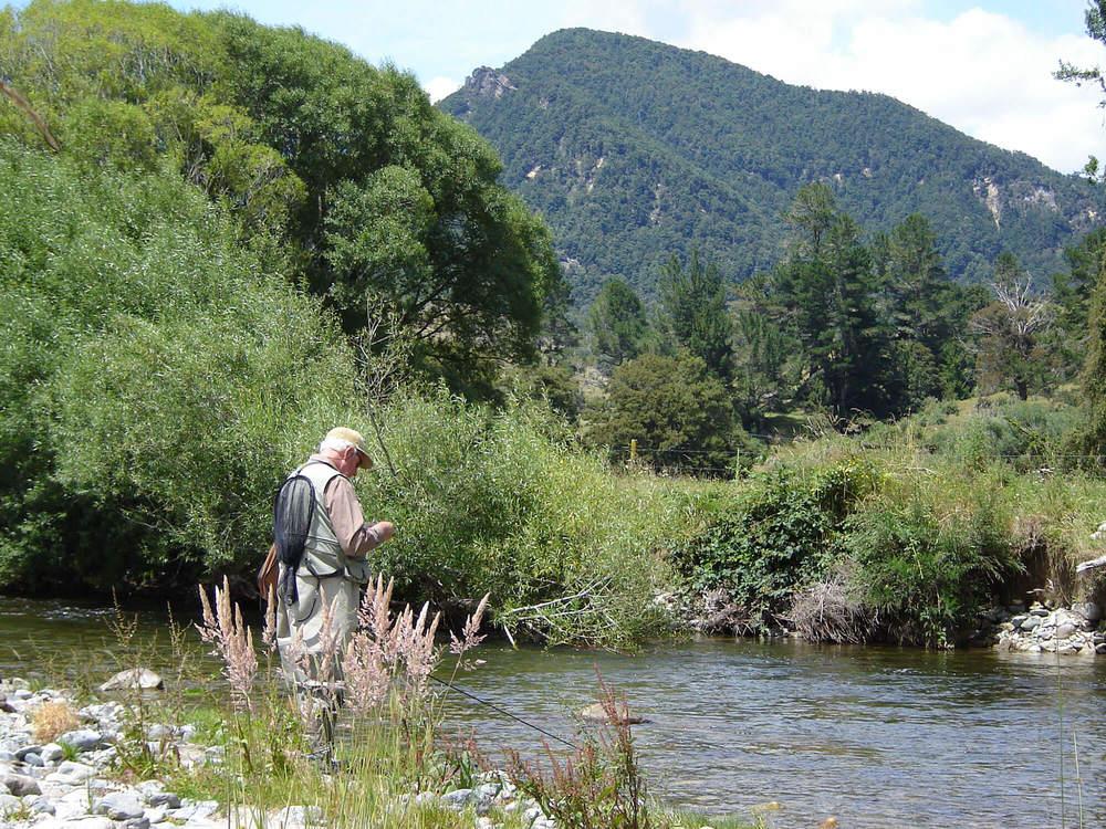 Lester-&-Ed-@-the-Mangles-River-003.jpg