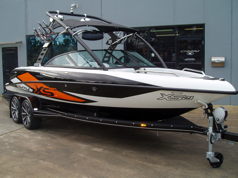 Spy_Boats_XS21-3.jpg