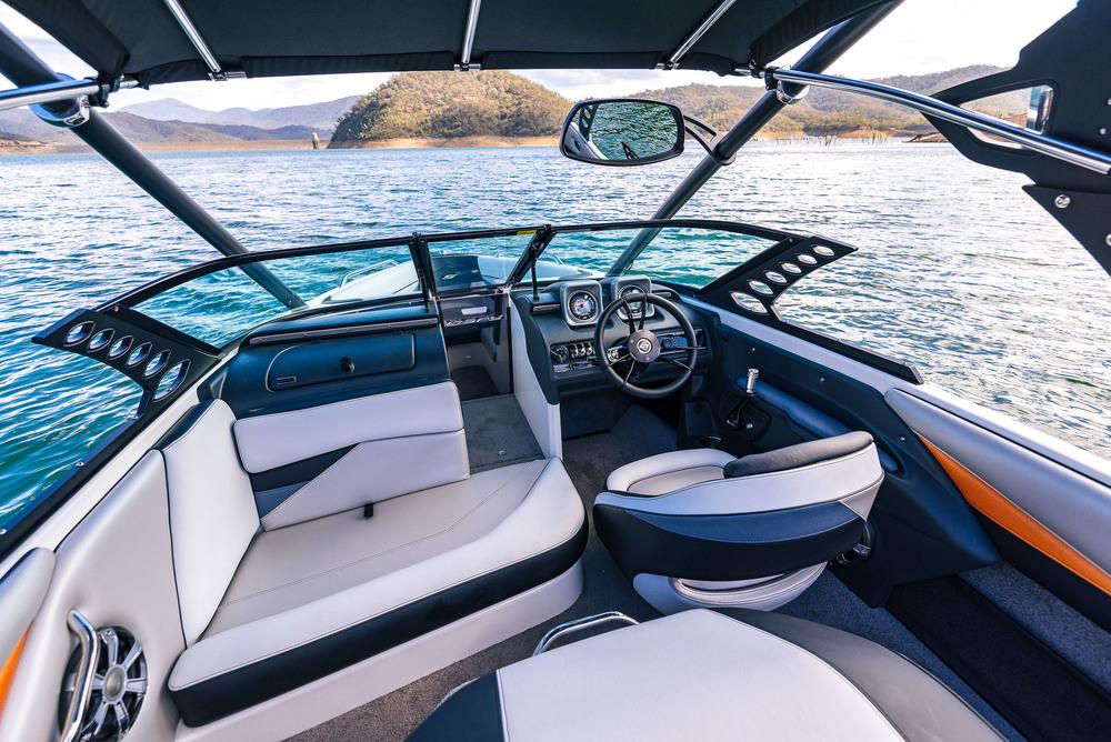 Spy_Boats_XS21-22.jpg