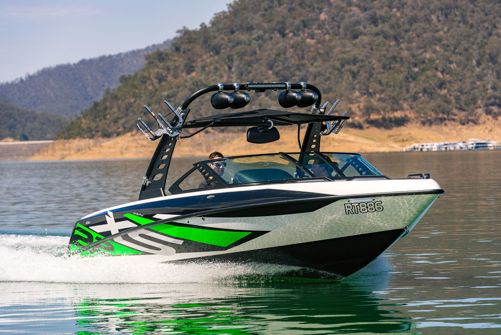Spy_Boats_XS22-15.jpg