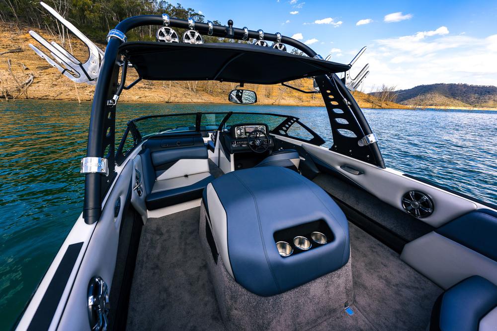 Spy_Boats_XS22-19.jpg