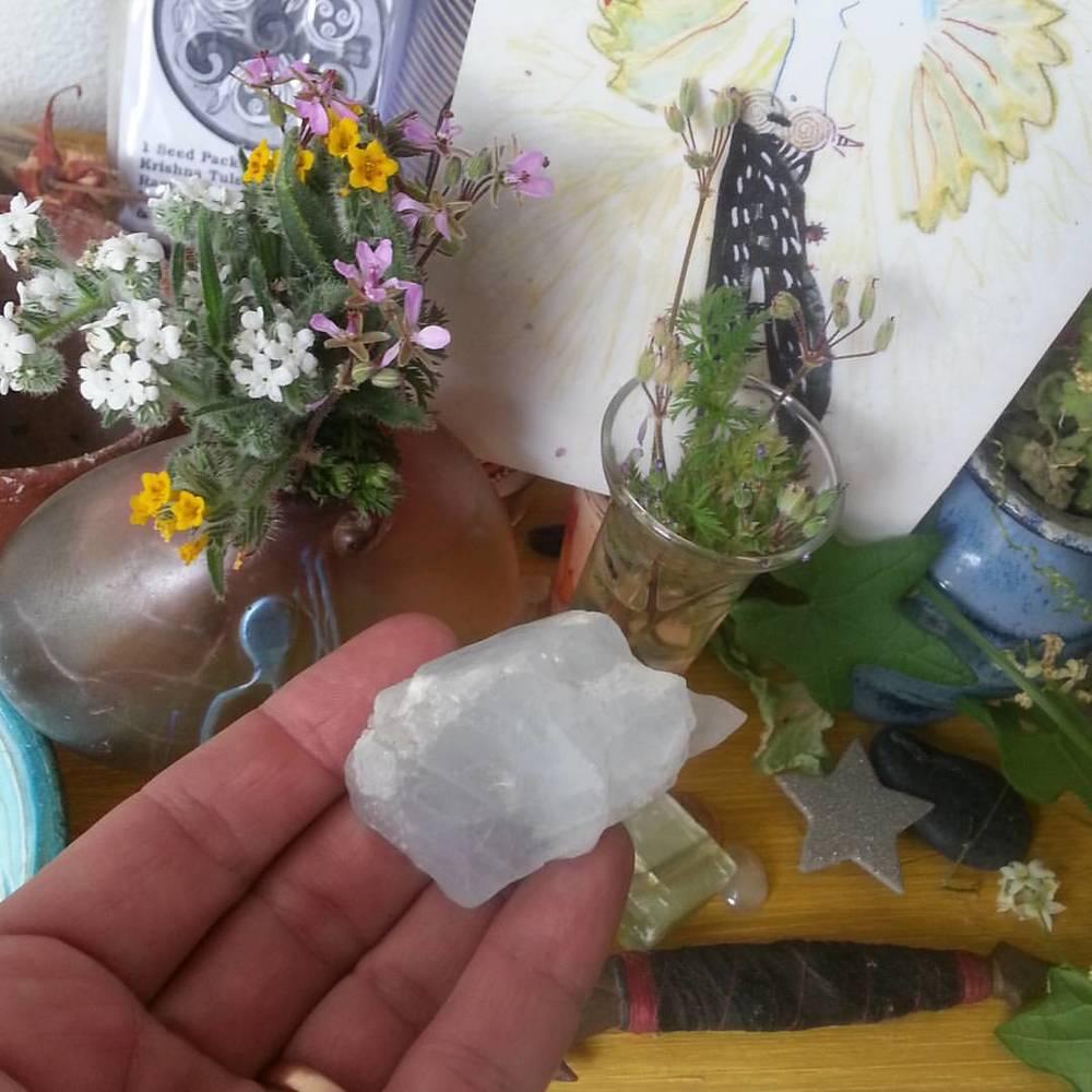 Spring altar with Celestite